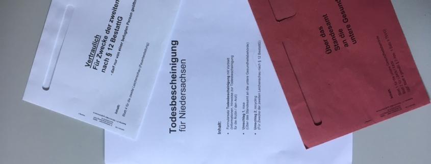 Unterlagen mit Durchschlägen der Stadt Hannover für die Ausstellung einer Todesbescheinigung