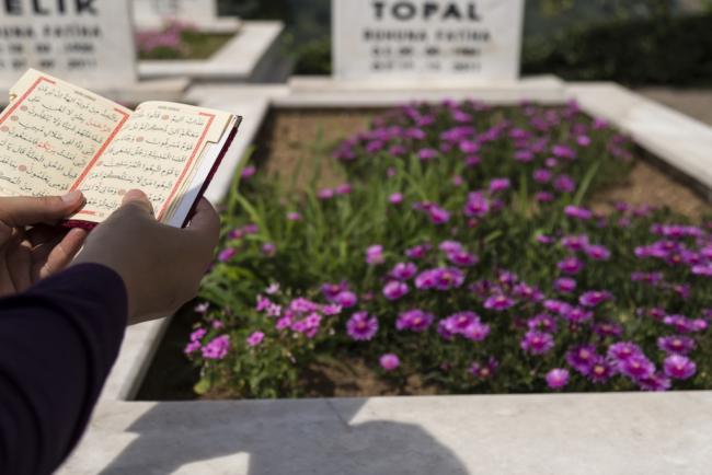 Sarglose Bestattung, z.B. auf dem Stöckener Friedhof in Hannover